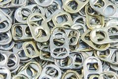 Alumínio da tração do anel do fundo das latas Fotografia de Stock Royalty Free