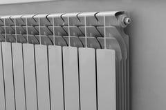 Aluminiowa kaloryferowa biała i czarna fotografia fotografia stock