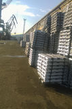 Aluminiowi ingots Transport aluminium dla eksporta Obrazy Royalty Free
