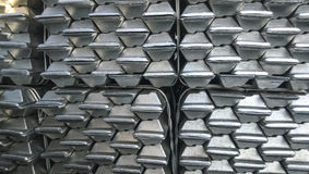 Aluminiowi ingots Transport aluminium dla eksporta Zdjęcie Royalty Free
