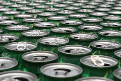 aluminium är cans som återanvänds till Fotografering för Bildbyråer
