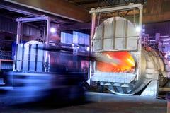 Aluminium smeltende oven royalty-vrije stock foto