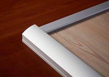 Aluminiumavsnitt och trä royaltyfri bild