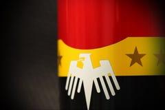Aluminiumburk med flaggaskärmen Royaltyfri Bild