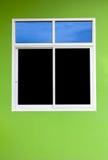 Aluminiumfenster mit bunten Wänden Lizenzfreie Stockfotografie