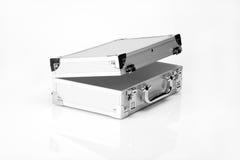 Aluminiumkoffer geöffnet stockfotografie