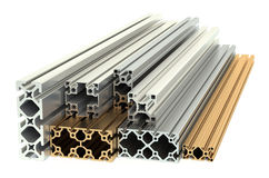 Aluminiumprofile und kupferne Profile Stockbild