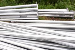 Aluminiumstrom-Beitrags-Rohre für Bau Stockfotografie