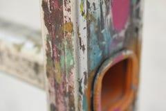 Aluminiumtreppe mit Farbfarbe Lizenzfreie Stockfotos