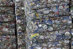 aluminum can som pressar samman Royaltyfri Bild