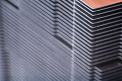 Aluminum element med den kopparnärbilden för värmerör med härlig bokeh royaltyfria bilder