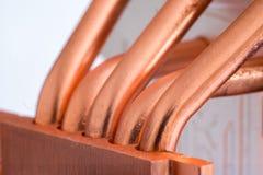 Aluminum element med den kopparnärbilden för värmerör med härlig bokeh royaltyfria foton