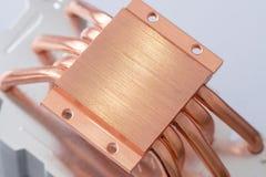 Aluminum element med den kopparnärbilden för värmerör med härligt bokehbegrepp av att kyla för luft royaltyfria bilder