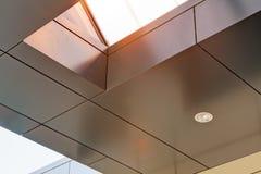 Aluminum fasad- och alubondpaneler Royaltyfria Foton