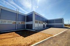 Aluminum fasad på industribyggnad Fotografering för Bildbyråer