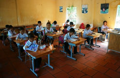 Alumno primario en tiempo de la escuela Imagenes de archivo