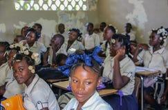 Alumnos adolescentes haitianos rurales Foto de archivo