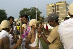 Alumnos que ponen en maquillaje Imagen de archivo