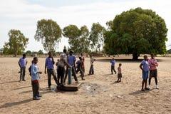 Alunos namibianos felizes que esperam uma lição Fotografia de Stock
