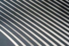 Żaluzja cień na białym papierze Zdjęcie Royalty Free