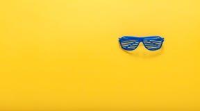 Żaluzja cieni okulary przeciwsłonecznych zdjęcia stock