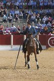 Alvaro Montes, bullfighter na horseback czarownicy hiszpańskim garrocha (tępa lanca używać na rancho) Fotografia Stock