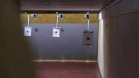 Alvo na escala de tiro filme