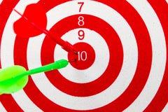Alvo vermelho do dardo Fotografia de Stock Royalty Free