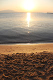 Alvorecer colorido sobre o mar Composição da natureza foto de stock royalty free