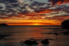 Alvorecer esplêndido da praia de Mundaka Fotografia de Stock