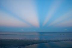 Alvorecer na praia de Fort Myers Fotografia de Stock