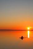 Alvorecer no lago Imagem de Stock Royalty Free