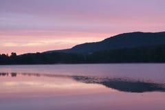 Alvorecer no lago Queechy Foto de Stock Royalty Free