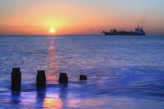 Alvorecer no mar Foto de Stock Royalty Free