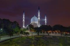 Alvorecer no xá Alam Mosque foto de stock