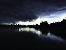 Alvorens de regen komt Stock Fotografie