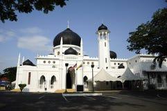 Alwi清真寺入口在Kangar 免版税图库摄影