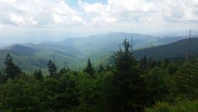 Alza ahumada de la montaña Foto de archivo