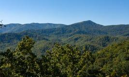 Alza ahumada de la montaña Foto de archivo libre de regalías