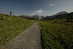 Alza de la sol en el parque nacional de Banff Imagenes de archivo