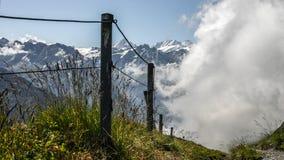Alza en las montañas suizas - Reuti, Hasliberg del verano Imagen de archivo