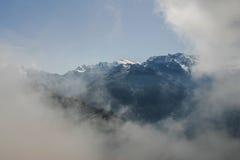 Alza en las montañas suizas - Reuti, Hasliberg del verano Foto de archivo
