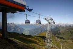 Alza en las montañas suizas - Reuti, Hasliberg del verano Imágenes de archivo libres de regalías
