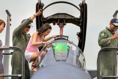 Alzandosi vicino con la visualizzazione statica F-15 Fotografia Stock