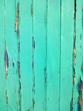 Alzavola rustica e porta blu Fotografie Stock Libere da Diritti