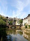 Alzette Fluss in Luxemburg Stockbild