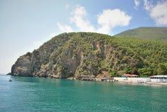 Aménage la forêt en parc de vert d'océan de mer de montagnes Photo stock