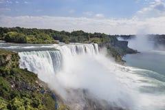 Aménagement de la vue des chutes du Niagara, NY, Etats-Unis Images stock