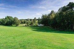 Aménagez en parc au Danemark avec un lac près de Billund Photographie stock
