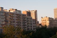 Aménagez en parc avec l'image des skycrapers dans Pékin Photo stock